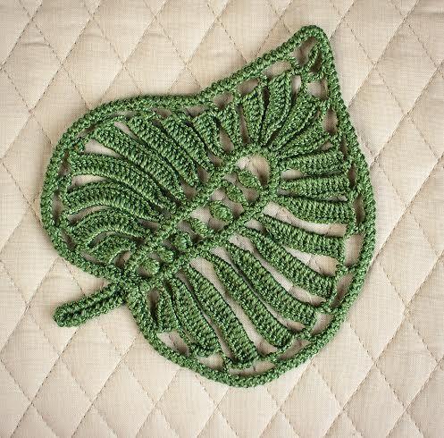 Irish Crochet pattern:  http://www.irishcrochetlab.com/#!product/prd3/2254687811/crochet-pattern---leaf.-nk-00-015