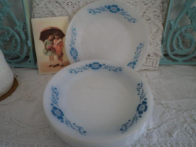 De Blauwe Blaker - Brocante, Barok, Emaille, Serviesgoed en Woonaccessoires van vroeger. Vintage melkglas bordjes Termocrisa