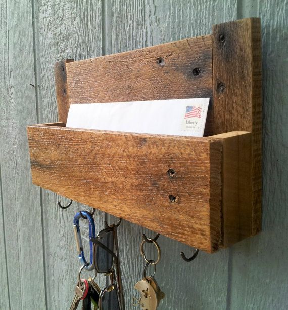 On Sale / Reclaimed Pallet Wood Mail and Key Rack / The Samson / No.105