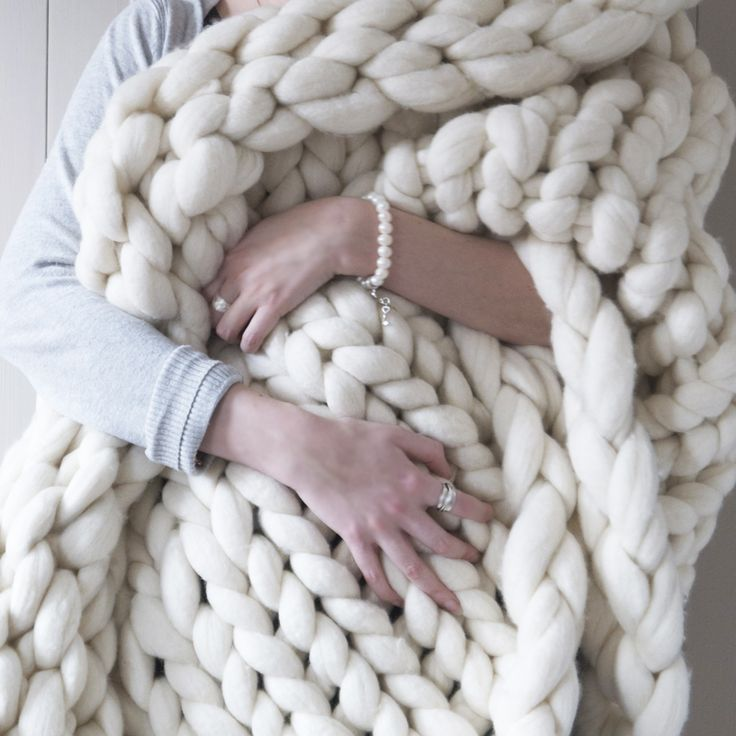 Super Chunky Knit White Blanket
