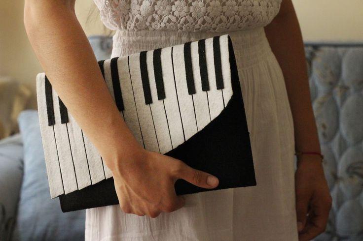 Piyano Keçe Portföy Çanta Zet.com'da 75 TL