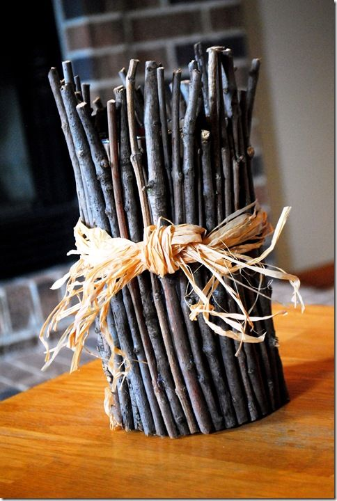 Cute twig vase from @KristinCrafts Ideas, Diy Crafts, Decor Vases With Sticks, Diy Vases, Branches Vases, Diy Decor, Sticks From Yards Crafts, Decoration Avec La Nature, Crafty Ideas