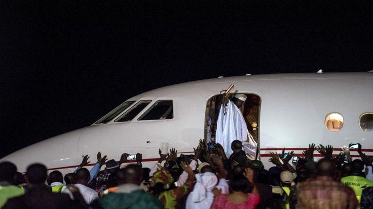 Pemimpin Gambia Yahya Jammeh meninggalkan kekuasaan setelah 22 tahun  BANJUL (Arrahmah.com) - Pemimpin Gambia Yahya Jammeh meninggalkan negara yang telah ia pimpin selama 22 tahun untuk menyerahkan kekuasaan kepada Presiden Adama Barrow dan mengakhiri krisis politik.  Jammeh menolak untuk mundur setelah pemilihan tanggal 1 Desember di mana Barrow dinyatakan sebagai pemenang yang memicu ketidakpastian selama beberapa pekan dan hampir berakhir dengan intervensi militer yang melibatkan lima…