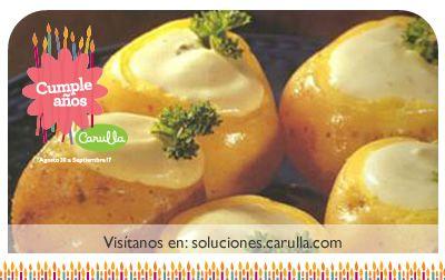 Pellejos de papa criolla rellenos de fondue de queso al pesto