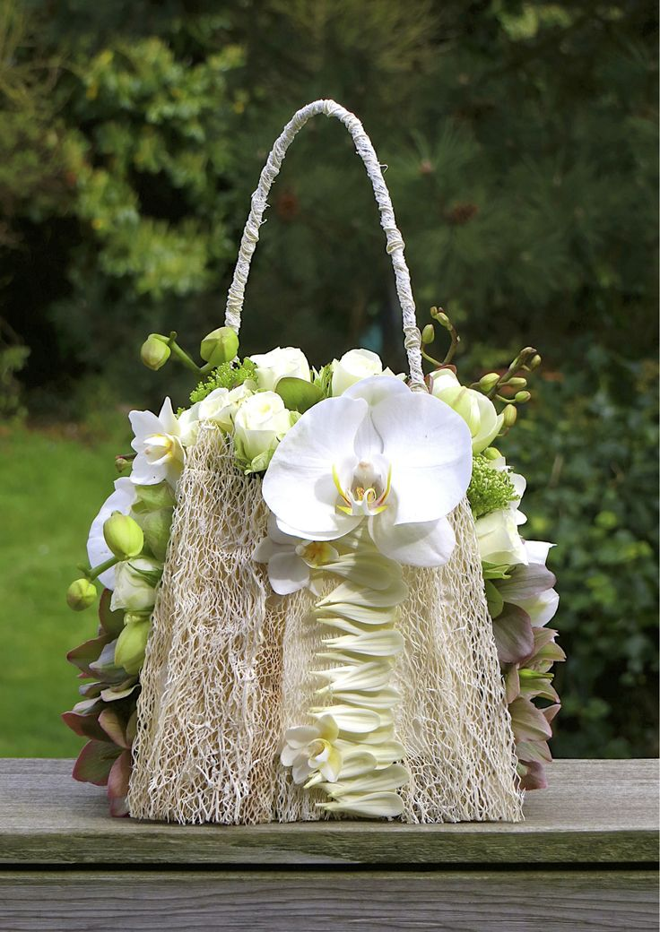 A stylish and refreshing alternative to the original bridal bouquet Created with…