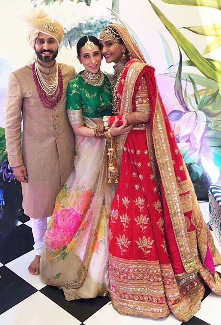Karishma Kapoor At Sonam Kapoor Wedding Sonam♡ In 2019
