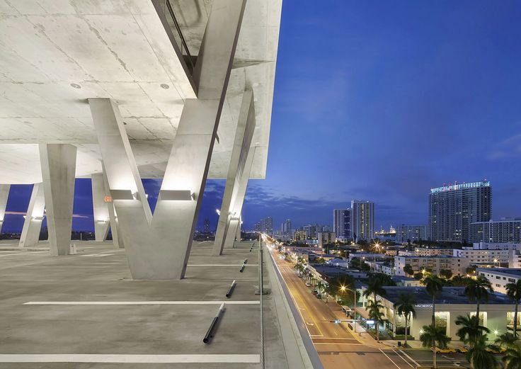 1111 Lincoln Road By Herzog U0026 De Meuron And Robert Wennett Is A Mixed Use  Car Park In Miami Beach.