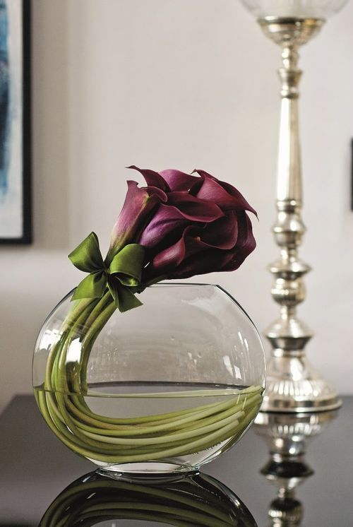 beautiful, yet simple flower arrangement ~