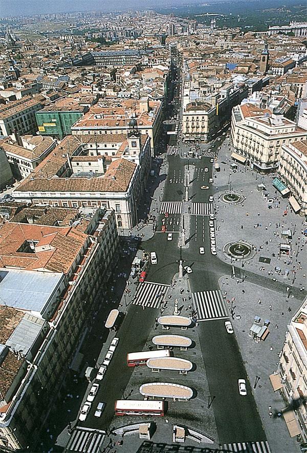 La Puerta del Sol, Madrid, 1986.