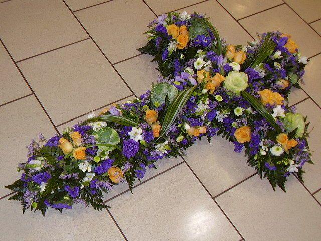 Top Les 25 meilleures idées de la catégorie Fleurs obsèques sur  KL22