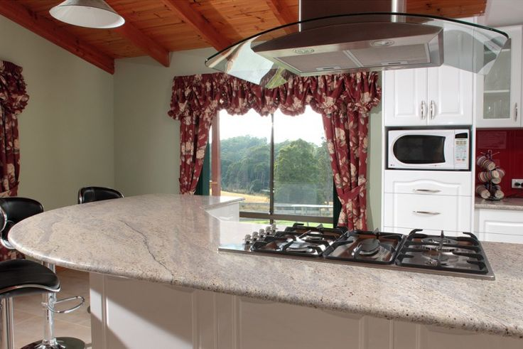 Painting of Cashmere White Granite for Countertop and Kitchen Island