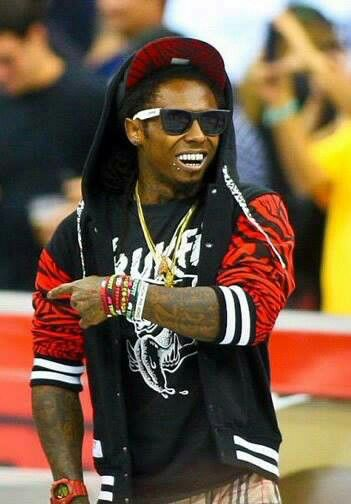 I'm not a great fan of Lil Wayne, but he sure knows how to look cool!