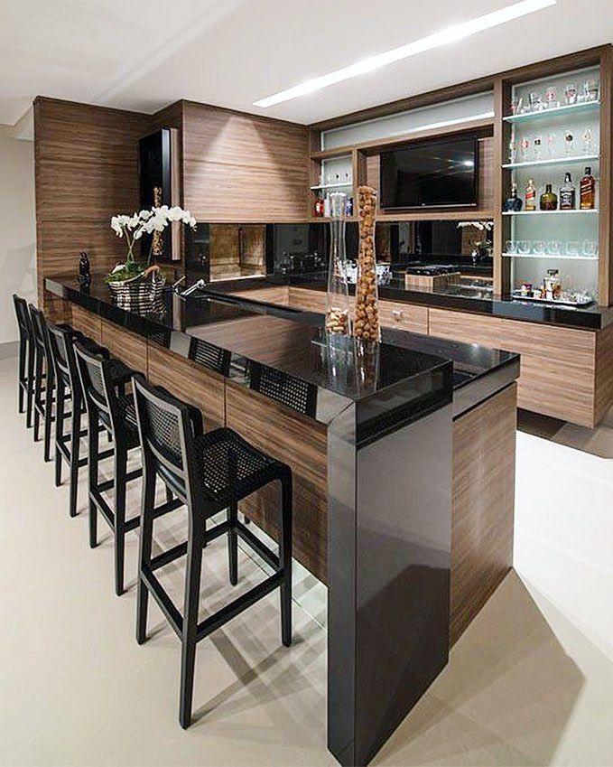 Hello people! Inspiração pra essa tarde fica por conta desta cozinha ousada e mega funcional. Gostaram? Projeto: Autor Desconhecido.