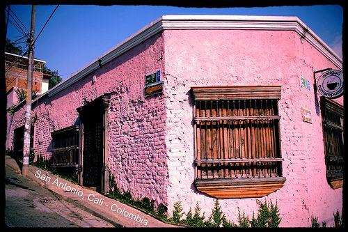 San Antonio. Barrio de artesanos, restaurantes, cafes. Cali-Colombia: Cosa, De Artesano