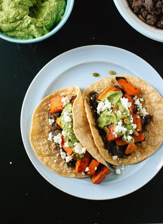 Sweet Potato and Black Bean Tacos with Avocado-Pepita DipAvocadopepita Dips, Mr. Tacos, Food, Vegetarian Sweets, Mr. Beans, Avocado Pepitas Dips, Tacos Recipe, Black Beans Tacos, Sweets Potatoes