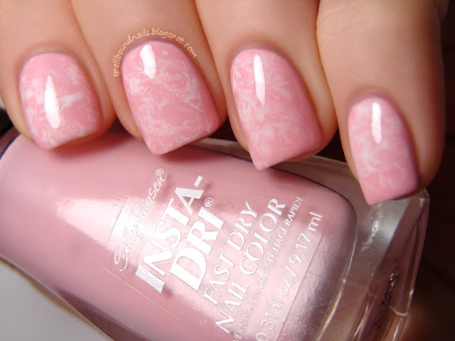 Pinned by www.SimpleNailArtTips.com SPONGING NAIL ART DESIGN IDEAS -  Saran Wrap Nail Art Manicure for Valentine's Day with easy to follow video tutorial
