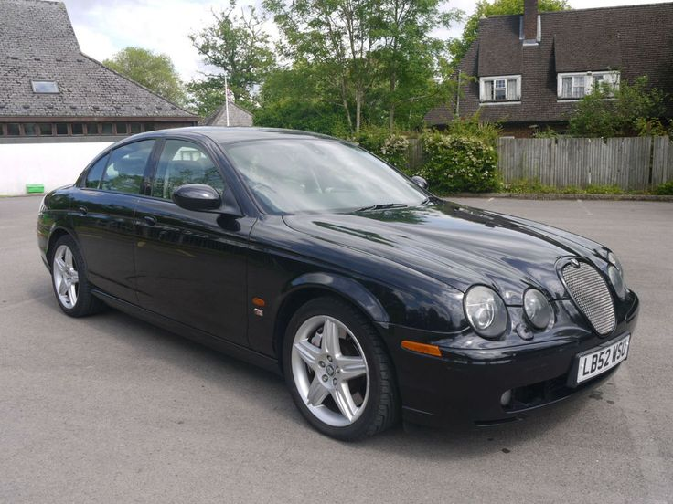 52 REG JAGUAR S-TYPE R 4.2 V8 SUPERCHARGED AUTOMATIC IN BLACK WITH CREAM LEATHER