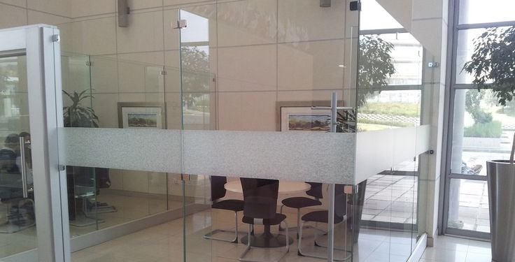 What do you think of this elegant frosted vinyl installation?
