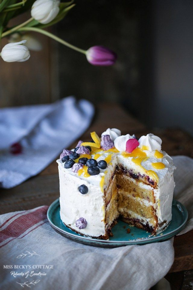 Blueberry and lemon layered cake with lemon curd and mascarpone frosting