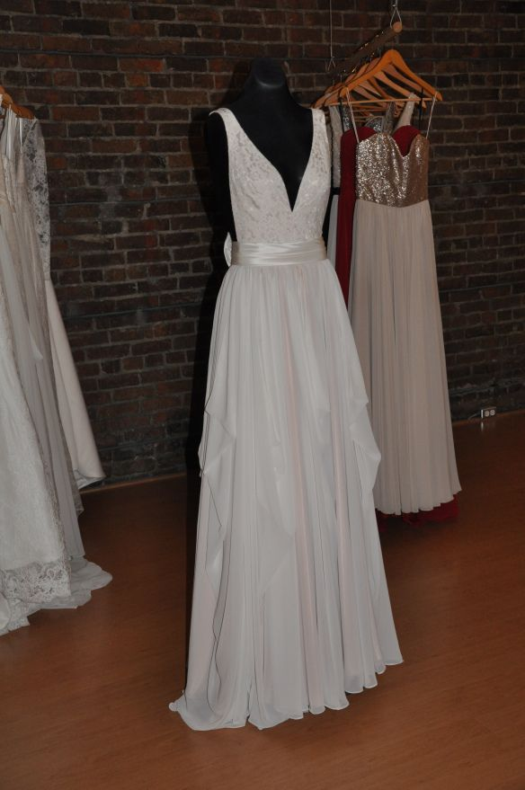 Reviews on Prom Dress Store in New Westminster, BC - Lisa's Bridal Salon, The Bridal Gallery, Jonathan's Formal Wear, Sew Sweets Bridal, Brentwood Bridal, Nuvon's Bridal and Suits by Tim, Xeno Fashion and Boutique, The Dressy Attic, Bello Wedding.