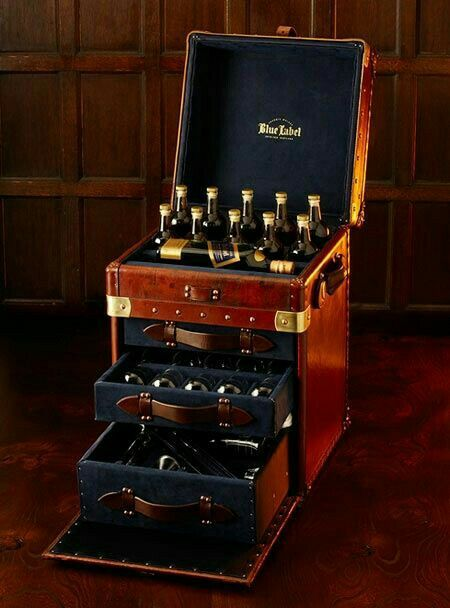 I want one of these for Christmas. Johnny Walker Blue Label carrying case!