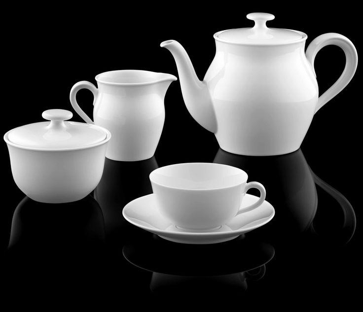 Teekanne, Zuckerdose, Gießer und Teetasse der Bauhausform WAGENFELD_FÜRSTENBERG Porzellan