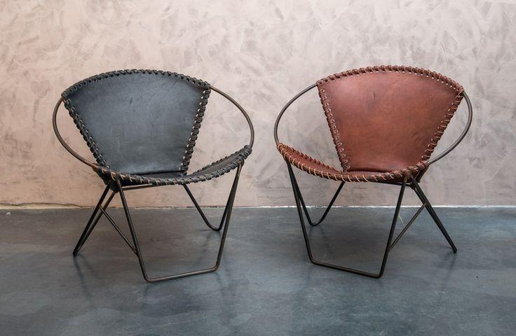 Diepe lederen stoelen - Zuid-Amerikaans buffelleder - Black meets Cognac - Leather bucket seat - Buffalo Leather - Sol y Luna - #WoonTheater
