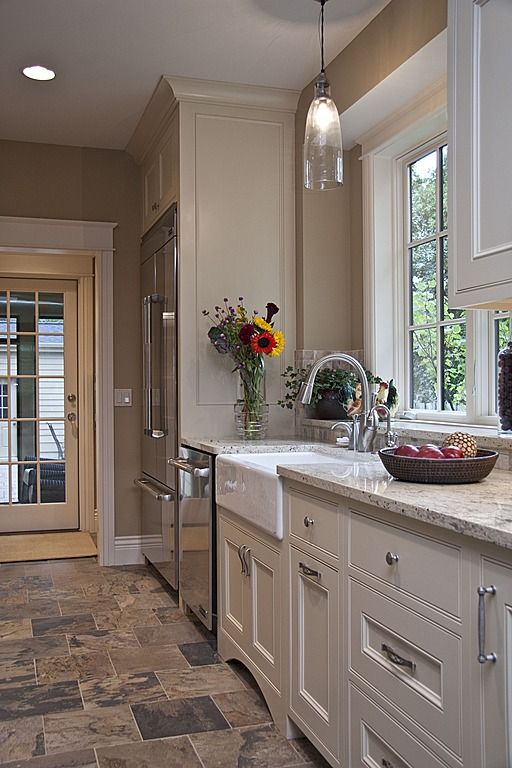Best 25 tile floor designs ideas on pinterest flooring for Slate kitchen floors with white cabinets