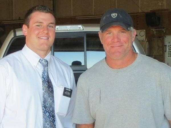 BYU football: Recruit Troy Hinds tracts into Brett Favre while on LDS mission | Deseret News
