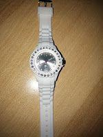 Produkttests und mehr: Taffstyle® Bunte elegante Damen Silikon Sportuhr A...