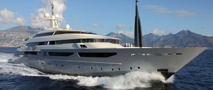 yacht Azteca