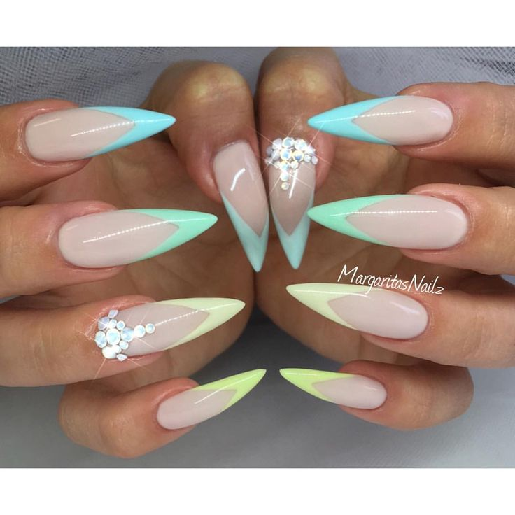 The 25 best stiletto nail designs ideas on pinterest stiletto the 25 best stiletto nail designs ideas on pinterest stiletto nails acrylic nails glitter and light colored nails prinsesfo Choice Image