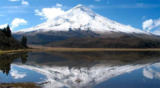 La montaña tropical más alta del mundo a la orilla del mar