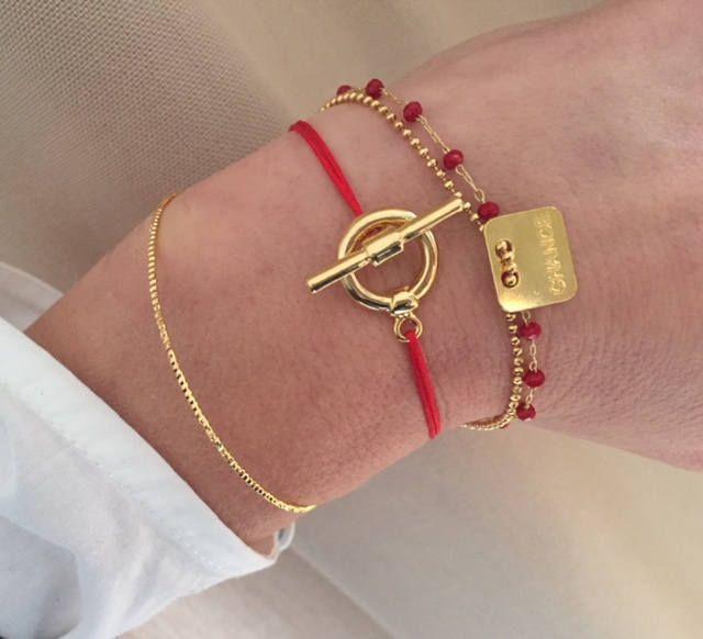bracelet femme, bracelet gravé, bracelet chaine perles plaqué or et perles grenat, bracelet personnalisé, cadeau femme, bijoux femmes, gift de la boutique CAFEINEDESIGNERS sur Etsy