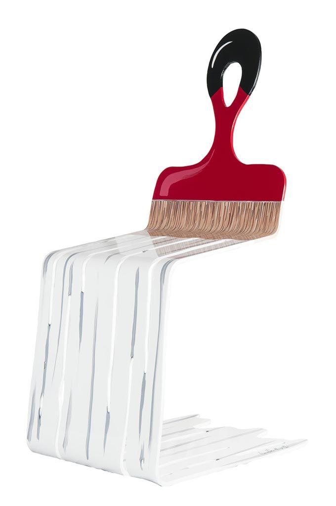 Grab A Chair (White-Red) par David Kracov, artiste présentement exposé aux Galerie Beauchamp. www.galeriebeauchamp.com
