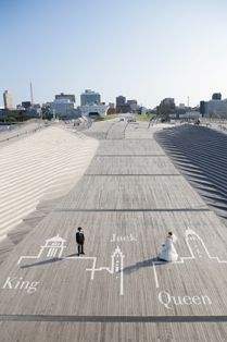 思い出の一枚を大桟橋で♪ロケーション撮影 | 横浜の結婚式場 ラグナスイート新横浜 ホテル&ウエディング