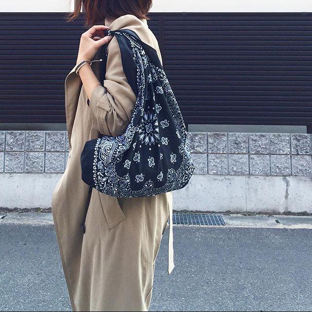 100均のバンダナ3枚でDIY♡今夏大人気の『バンダナバッグ』の作り方   CRASIA(クラシア)
