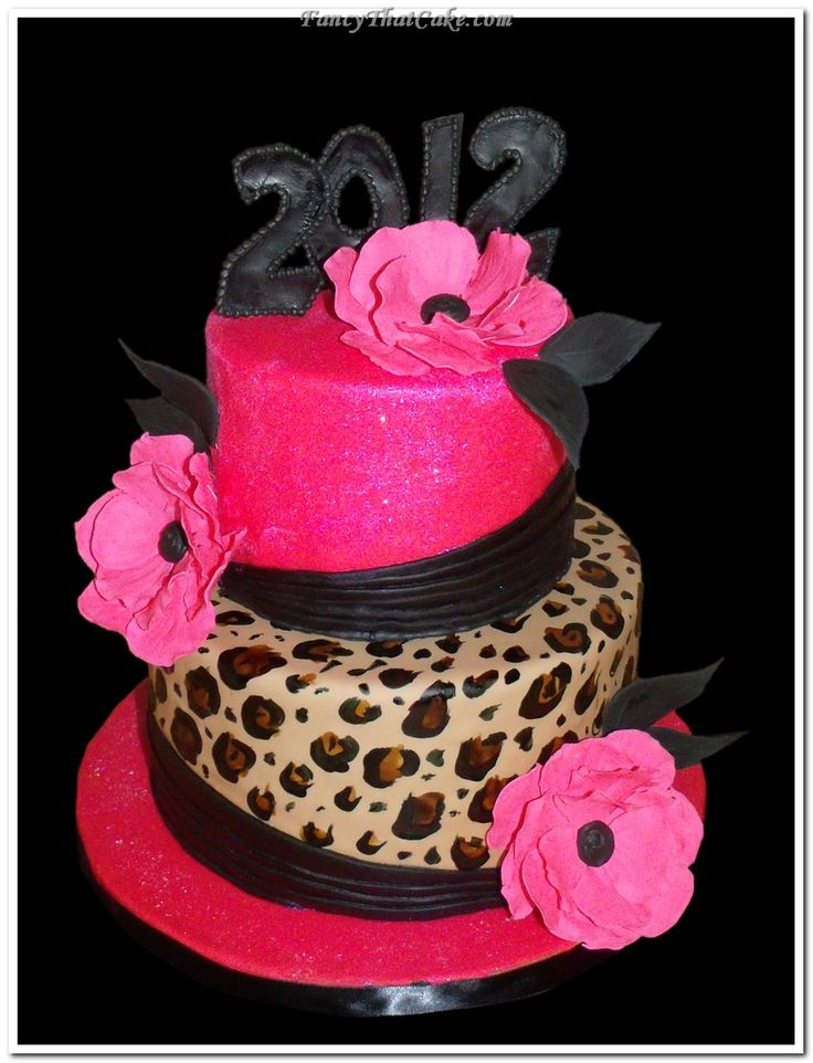 Hot pink glitter and cheetah print cake. I want this for my graduation cake