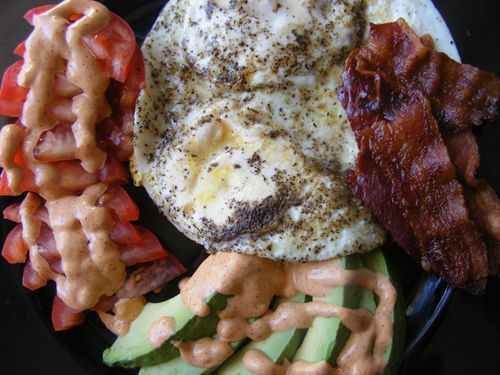 Bacon, Eggs, Avocados and Tomatoes with Spicy Mayonnaise   Keto breakfast / dinner