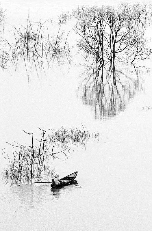 Da Mi Lake, Vietnam