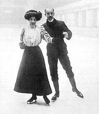 """Le couple britannique Edgar et Madge Syers, Jeux Olympiques 1908. Article """"Histoire du patinage artistique"""" sur Wikipédia. Ice Skating, c. 1910's."""