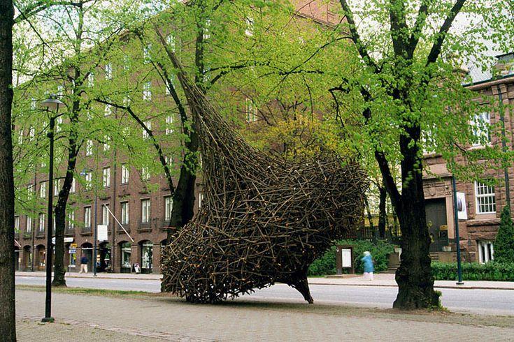 sculptor Jaakko Pernu, willow sculpture,