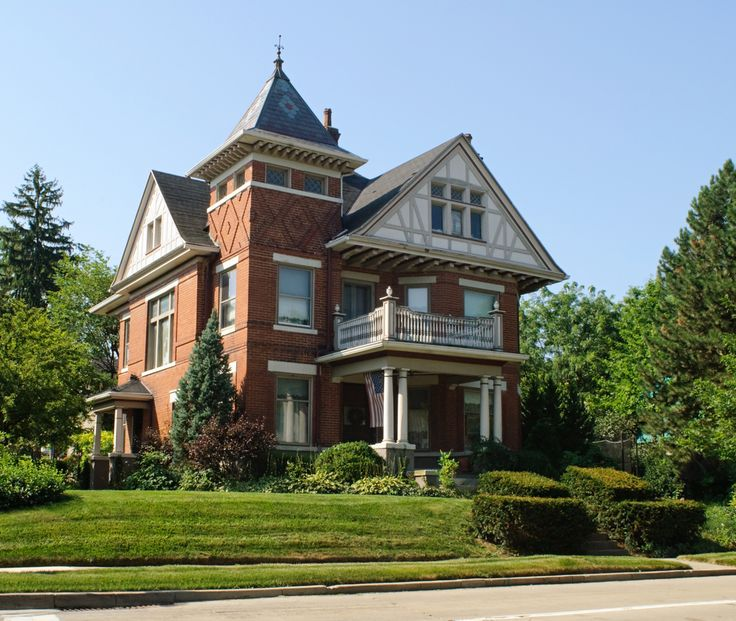 61 best images about victorian mansions on pinterest for Brick victorian house
