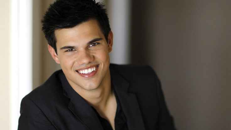 Related Posts. Taylor Lautner hd pc desktop Wallpaper 2015