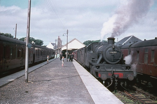 40150: Thurso is Britain's most northerly railway station. Here we see Stanier LMS 3MT 2-6-2T 40150 getting ready to depart for Georgemas Junction on a sunny afternoon in July, 1960. Photo by Ron Fisher