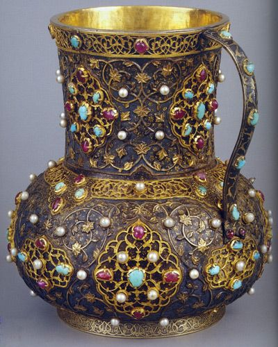 Anode tankard, The first half of the 16th century, the Safavid Iran, diameter: 15.5 cm, height: 18 cm.
