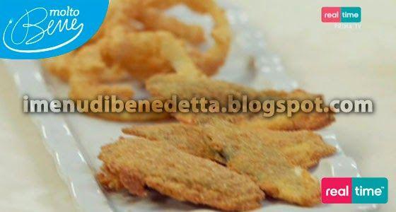 Salvia Fritta Farcita e Onion Rings di Benedetta Parodi