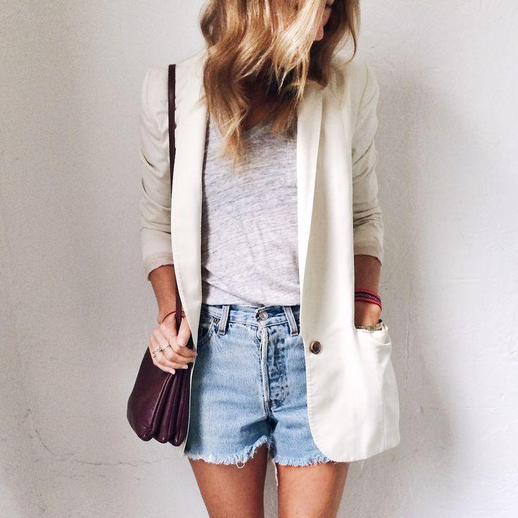 Cream blazer, denim shorts neutrals summer street style tourist outfit sightseeing fashion swag