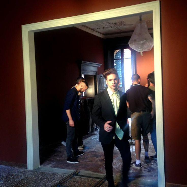 """Un altro scatto del backstage dei Dear Jack durante le riprese di """"La #pioggia è uno stato d'animo"""", il #videoclip girato tra le #stanze di #Leoncino #Hotels! #backstage #video #Dear #Jack #DearJack #Verona"""
