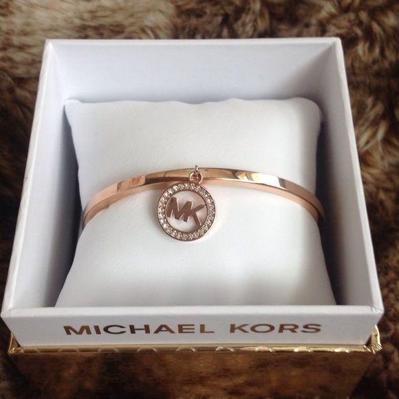 rubies.work/... Micheal kors authentic bracelet rose gold❣ Beautiful michael Kors rose gold bracelet click lock bangle bracelet Michael Kors Jewelry Bracelets